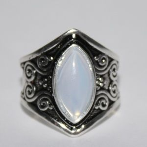 Sterling silver Moon stone Ring Size 9 NWOT